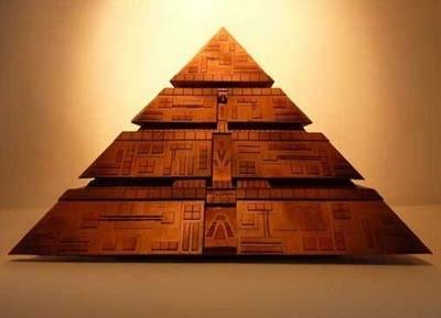 1260210407_piramida